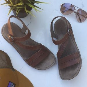Keen }{ Leather 'Sierra' Sandal